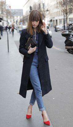 Into Your Closet: RED SHOES Manteau / Coat Asos, Chemise / Shirt Cimarron, Jeans Levi's , Chaussures / Shoes Stella Luna, Sac / Bag Valentino
