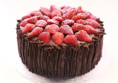 Tarta de fresa y chocolate Strawberry chocolate cake