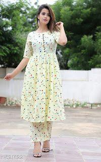 fashion women plus size Stylish Kurtis Design, Stylish Dress Designs, Dress Neck Designs, Designs For Dresses, Stylish Dresses, Printed Kurti Designs, Simple Kurti Designs, Kurta Designs Women, Pakistani Dresses Casual