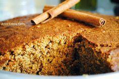 Ένα μυρωδάτο και λαχταριστό κέικ , που θα συνοδεύσει το πρωινό σας ή το απογευματινό σας τσάι. Ιδανικό για όσους κάνουν δίαιτα και θέλουν κάτι γλυκό , αφού είναι φτιαγμένο με αλεύρι ολικής αλέσεως και δεν περιέχει ζάχαρη και βούτυρο. Υλικά : 1/5 του ποτηριού στέβια, ή 1/2 ποτήρι μέλι ή 1/2 ποτήρι αγάυη 1/2…