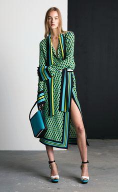 Michael Kors OFF! Michael Kors Collection Resort 2016 Fashion Show Look Fashion, Runway Fashion, Fashion Models, Fashion Show, Fashion Trends, Celebrities Fashion, Fashion Designers, Fashion Women, Cheap Michael Kors
