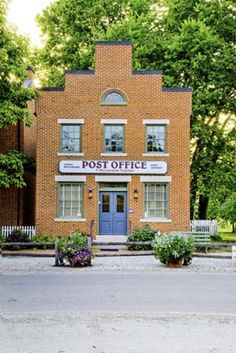 post office? IF ANYONE KNOWS WHERE THIS IS PLEASE COMMENT... .I HOPE YOU'LL FOLLOW ANY OF MY 5 GREAT BOARDS CONCERNING THE POST OFFICE MAILMEN VEHICLES MAILBOXES AND OTHER THINGS