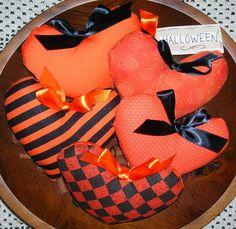 Primitive HALLOWEEN Black and Orange Fabric Hearts Tucks by auntiemeowsprims, $8.99