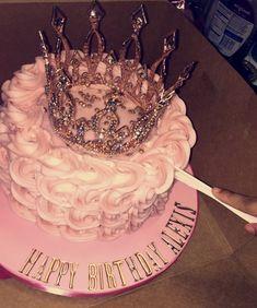 Festa - Bake a Cake 2019 19th Birthday Cakes, 18th Birthday Party, Cake Birthday, 18th Birthday Cake For Girls, Hotel Birthday Parties, Birthday Goals, Birthday Ideas, Birthday Nail Designs, Bolo Cake