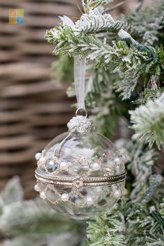 #pearlornament #glassornament #christmas #christmastime #christmasseason #christmasvibes #christmasspirit #christmasdecorating #christmasdecor #christmasdecorations #christmashome #christmasinspiration #christmasinspo #vermeersgardencentre