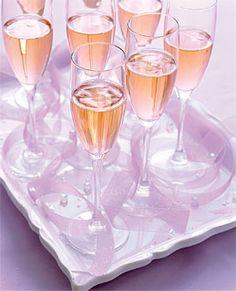 Wedding colors lilac lavender colour palettes ideas for 2020 Best Wedding Colors, Wedding Color Schemes, Lavender Color, Peach Colors, Champagne Drinks, Champagne Glasses, Cocktails, Lilac Wedding, Spring Wedding