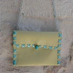 http://it.artesanum.com/artigianato-mini_pochette_gialla-36462.html