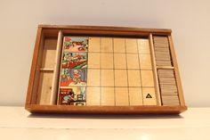 €8,95 - In deze oude houten kist zit een vintage lotto spel van …