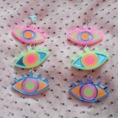 Weird Jewelry, Cute Jewelry, Jewelry Accessories, 80s Jewelry, Funky Earrings, Diy Earrings, Statement Earrings, Laser Cut Jewelry, Accesorios Casual