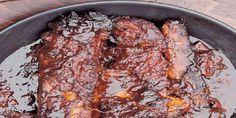 Jan Vardøens spareribs - Jan Vardøens spareribs lages med deilig, sterk chili. Spare Ribs, Barbecue, Chili, Pork, Beef, Kale Stir Fry, Meat, Pork Ribs, Barrel Smoker