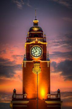 Clock Hourglass Time:  #Clock ~ Torre de Mérida, 1735, Mexico.