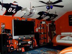 1000 images about karder 39 s bedroom on pinterest denver for Denver broncos bedroom ideas