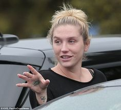Radiant: Kesha glowed and put her natural beauty on full show without a hint of makeup dur...