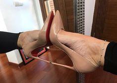 283 отметок «Нравится», 6 комментариев — @abracadabraistanbul в Instagram: «@glamorpussinboots #foot #shoe #legs #leg #toering #stiletto #fishnet #nylon #piedi #louboutin…»