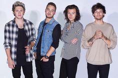 #lieberDschinni ich möchte umbedingt One Direction treffen, ich und meine 2 besten Freundinnen haben bis jetzt fast alles versucht doch leider hat es bis jetzt nicht geklappt, deswegen richten wir uns jetzt an dich und hoffen das du uns den Traum erfüllen kannst und wir die Jungs treffen, die uns so oft ein Lächeln ins Gesicht gezaubert haben. Danke :) -Rina