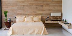 parede de madeira no quarto
