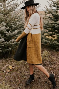 Knit Cardigan with Pockets Indie Outfits, Cute Outfits, Fashion Outfits, Fascinators, Modest Dresses, Skirt Outfits, Cardigans For Women, Modest Fashion, Knit Cardigan
