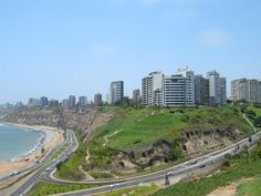Archivo:Miraflores-Lima.jpg - Wikipedia, la enciclopedia libre