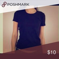 🐻🐻Shirt🐻🐻 All black t-shirt the condition is good Get free shipping by getting the apple app it's down below Tops