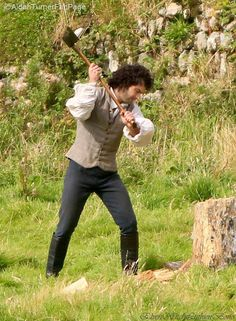 Oh lordy b.Poldark with his chopper out.or is it an axe? Aidan Turner Poldark, Ross Poldark, Aiden Turner, Season 2, Outlander, Funny Pictures, Funny Pics, Memories, Actors
