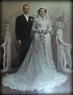 My grandparents wedding photo Vintage Weddings, Vintage Bridal, Bridal Gowns, Wedding Dresses, Something Old, Love And Marriage, Vintage Cards, Grandparents, Wedding Couples