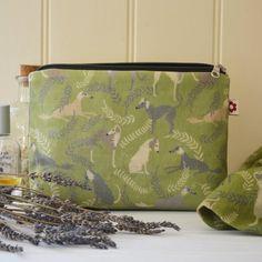 Lurcher groen wasdoek toilettas / Bag / wasdoek tassen / cosmetica portemonnee / make-up tas / greyhound / lurcher / hounds/hond/saluki / vegan bag