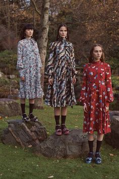 See the full Pre-Fall 2018 collection from Erdem.