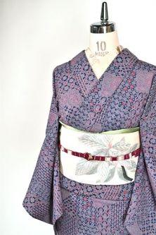 ラベンダーカラー和更紗風装飾模様美しいウール単着物