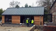 Pildiotsingu larch cladding and zinc roof tulemus Bungalow Extensions, House Extensions, Dusty House, Wooden Carports, Larch Cladding, Zinc Roof, Timber House, Wooden House, Roof Light