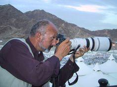 #NationalGeographic , #Reza, photographs the Hajj at #Mina #photo #photographie #photographer #photography #photographe #OlivierOrtion