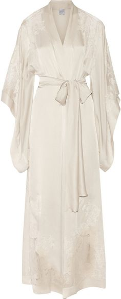 Carine Gilson Lace-Trimmed Silk-Satin Robe - Looking for Hair Extensions to refresh your hair look instantly? KINGHAIR® only focus on premium quality remy clip in hair. Visit - - for more details Lingerie Sleepwear, Nightwear, Vintage Lingerie, Sexy Lingerie, Inspiration Mode, Bridal Robes, Silk Satin, Robe Silk, Night Gown