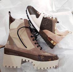 MewDress.com.   Women's Laureate Platform Boots and Run Away Sneakers