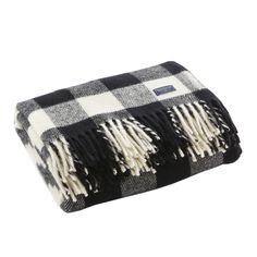 The buffalo check design is a Faribault classic. Having made this design for over 100 years, Faribault does it again with the Buffalo Check Wool Throw. Woolen Mills, Fall Home Decor, Buffalo Check, Buffalo Plaid, Decoration, Furniture Decor, Pure Products, Usa, Decorating Ideas