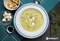 Tejszínes-bazsalikomos cukkinikrémleves | NOSALTY Cheeseburger Chowder, Cantaloupe, Diet Recipes, Food And Drink, Soup, Fruit, Breakfast, Ethnic Recipes, Collection