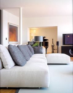 Sofas & Chairs / Haus