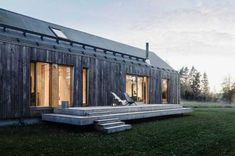 Åkerudden is located in Tenala approximately west of Helsinki in Finland, in traditional rural landscape on the shore of a small lake. Cabins In The Woods, House In The Woods, My House, Modern Wooden House, Passive Solar Homes, Arch House, Rural House, Timber Structure, Vernacular Architecture