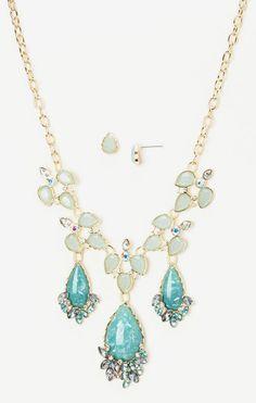 Mint Spring Fling Teardrop Bib Necklace & Teardrop Earrings