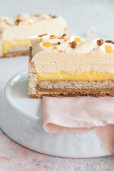 Bakery Recipes, Dessert Recipes, Mango Tart, Molly Cake, Patisserie Design, French Cake, Modern Cakes, Pastry Art, Fancy Desserts