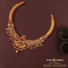 Look more traditional with this gold short necklace prettified with a gold balls and kemp stone uncut stone and real stone design. Shipping across India and USA.For more details Call / Whats-app on // 10 September 2019 Gold Wedding Jewelry, Gold Jewelry Simple, 18k Gold Jewelry, Wedding Gold, Bridal Jewellery, Jewelry Sets, Jewelry Accessories, Antique Jewellery Designs, Gold Jewellery Design