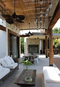 House styles exterior modern porches for 2019 Outdoor Rooms, Outdoor Living, Outdoor Decor, Interior Exterior, Exterior Design, Backyard Patio, Porch Decorating, Living Spaces, Living Room