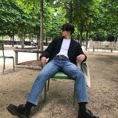 Chill Aesthetic Fashion, Urban Fashion, Boy Fashion, Casual Outfits, Men Casual, Chill Outfits, Style Masculin, Korean Fashion Men, Estilo Retro
