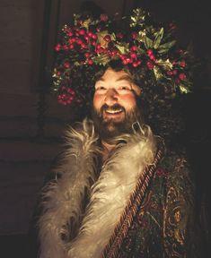 Christmas Carol Ghosts, Christmas Carol Charles Dickens, Ghost Of Christmas Past, Father Christmas, English Christmas, Victorian Christmas, A Christmas Story, Vintage Christmas, Christmas Scenes