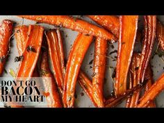 These Honey Balsamic Roasted Carrots are beautifully caramelized in a sweet and sticky glaze. The perfect side dish for your Sunday roast. Balsamic Carrots, Honey Roasted Carrots, Baked Carrots, Vegetable Side Dishes, Vegetable Recipes, Tapas, Albondigas, Cooking Recipes, Healthy Recipes