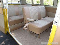 Very nice Volkswagen Bus, Vw T1, Vw Camper, Bus Interior, Combi Vw, Bay Window, Buses, Sofa, Cars