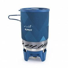 Heat it and eat it, a 560 g integrated cooking system for quick cooking on the go. Ideal for fresh brews on the trail, hot soup and nutritious one-pot wonders. Camping Cooker, Camping Stove, Tent Camping, Stove Board, One Pot Wonders, Cook Up A Storm, Heat Exchanger, Wall Insulation, Hot Soup