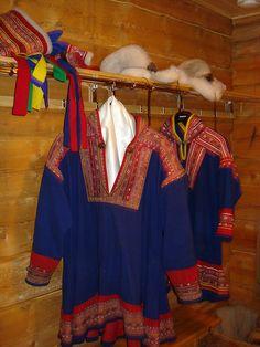 Costume tradizionale Sami by * E *, via Flickr