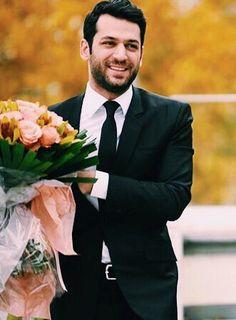 Murat Yıldırım Stylish Boys, Celebs, Celebrities, Turkish Actors, Actors & Actresses, Turkish Delight, Handsome, Births, Image