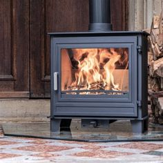 Ecosy+ Panoramic Traditional - Defra Approved, 5kw , Eco Design Ready (2022) - Woodburning Stove - 5 Year Guarantee Multi Fuel Stove, Heat Resistant Glass, Oven Glove, Woodburning, Dom, The Hamptons, Keep It Cleaner, Enamel, Traditional