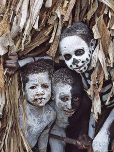 tribes of new guinea | ... Tribes People in Omo Masilai Village, Goroka, Papua New Guinea