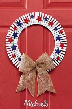Make this red, white, and blue clothespin wreath project it is an easy DIY fourth of July decor craft. Make this red, white, and blue clothespin wreath project it is an easy DIY fourth of July decor craft. Fourth Of July Crafts For Kids, Fourth Of July Decor, Summer Crafts For Kids, 4th Of July Decorations, July 4th, 4th Of July Wreaths, Wall Decorations, Crafts For Seniors, Crafts To Do